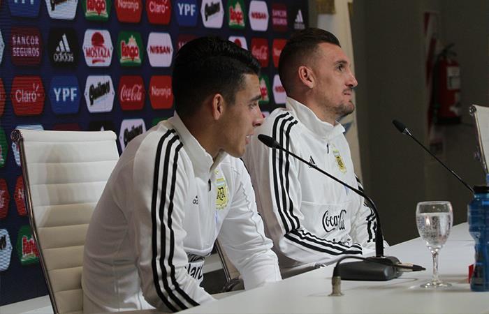 Cristian Pavón y Franco Armani. Foto: Twitter