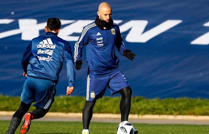 Mascherano se perfila como titular ante Islandia (Foto: Facebook)