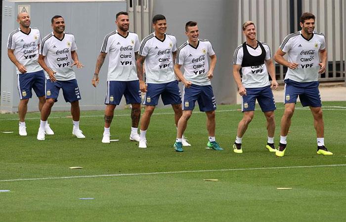 La defensa trabajó en los entrenamientos de la Selección Argentina en Barcelona. Foto: EFE