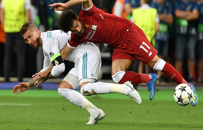 La jugada que dejó a Salah sin final de Champions. Foto: AFP