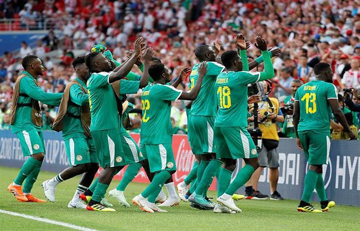 La alegría de Senegal tras su triunfo en el debut ante Polonia. (FOTO: EFE)