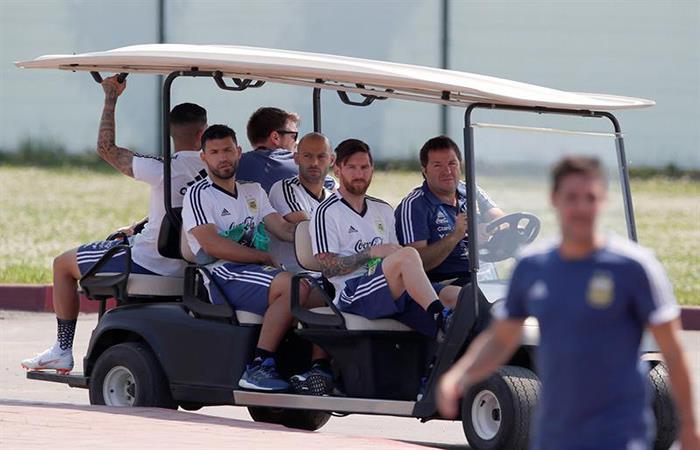 La Argentina continúa los trabajos de cara al partido ante Nigeria. Foto: EFE