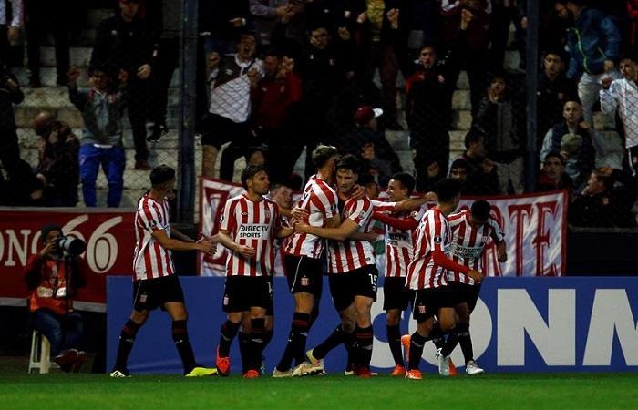 Estudiantes de La Plata sacó un sufrido triunfo ante Gremio por la Copa Libertadores