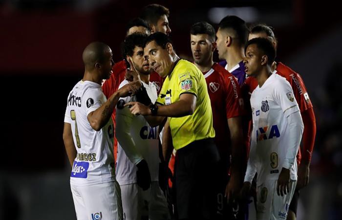 El Independiente vs Santos podría definirse en mesa. (FOTO: AFP)