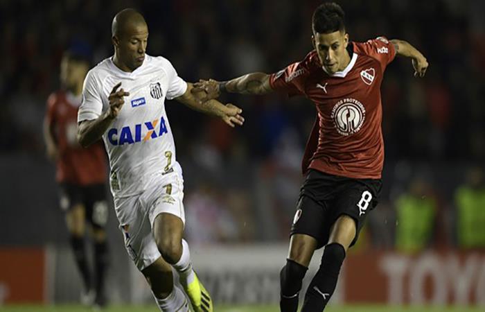 Insólito. Carlos Sánchez jugará el partido ante Independiente. (FOTO: AFP)