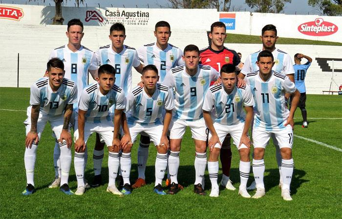 Argentina ganó 2-0 a Racing. Foto: Twitter