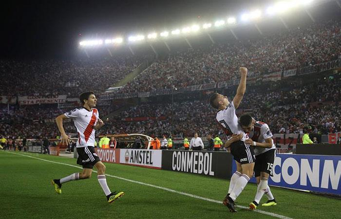 River Plate celebrando el tercer tanto ante Racing. Foto: EFE