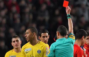 Mbappé recibe una suspensión de tres partidos por su expulsión