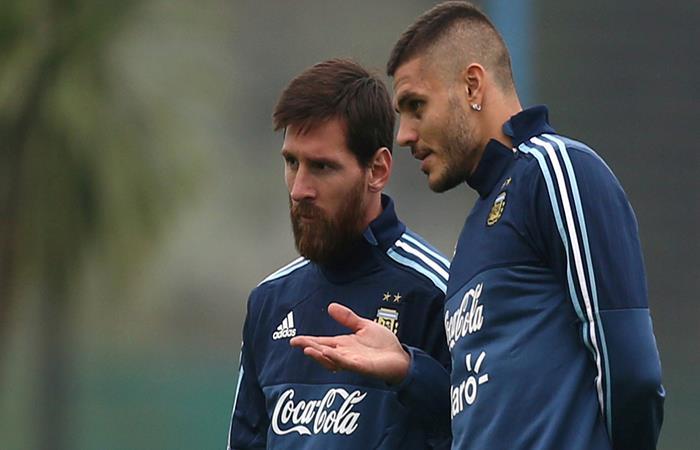Lionel Messi y Mauro Icardi. (FOTO: AFP)
