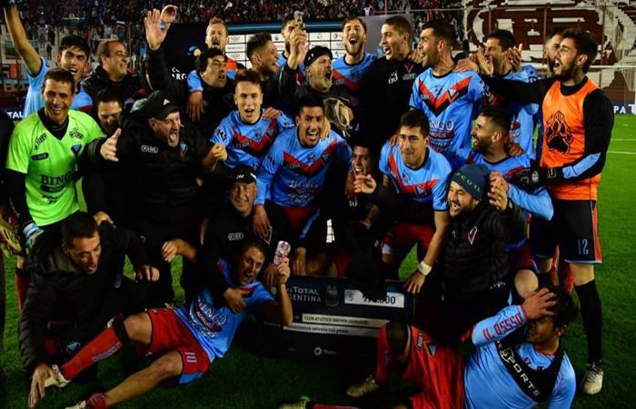 Brown de Adrogué hizo historia y eliminó a Independiente. Foto: Twitter