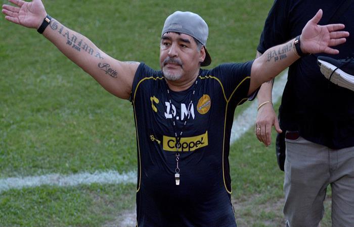 Diego Maradona es una estrella de rock en el Dorados de Sinaloa