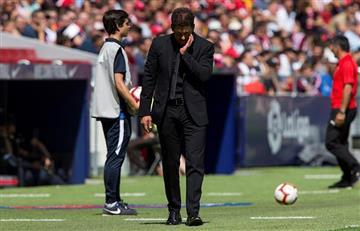 Simeone pifiado por los hinchas del Atlético