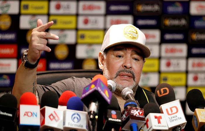 Diego Armando Maradona en conferencia de prensa. Foto: AFP
