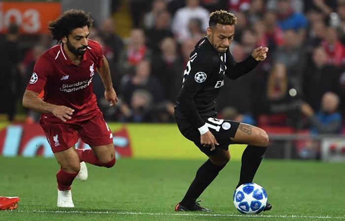 Salah y Neymar jugaron un duelo aparte. Foto: AFP