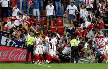 ¡El gol de Banega hizo que se caiga la tribuna!