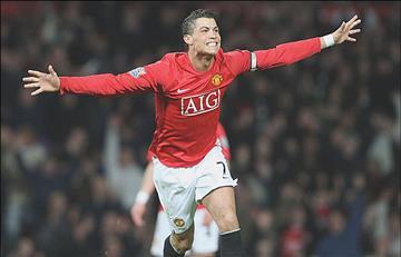 Cristiano celebra 15 años de su debut