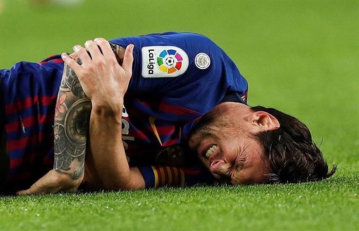 Lionel Messi tras su lesión. Foto: EFE