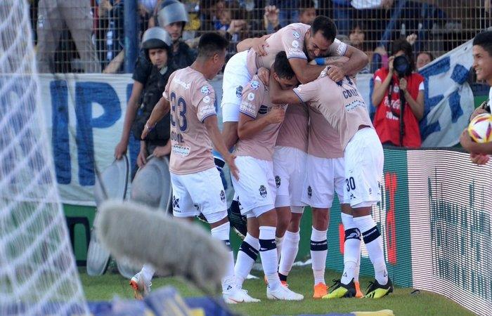 Gimnasia LP vence 2-1 a Boca Juniors (Foto: Twitter)