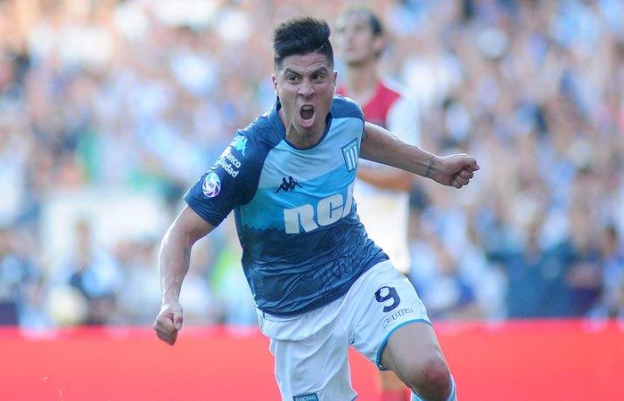 Racing Club vence a Newell's y sigue como único líder