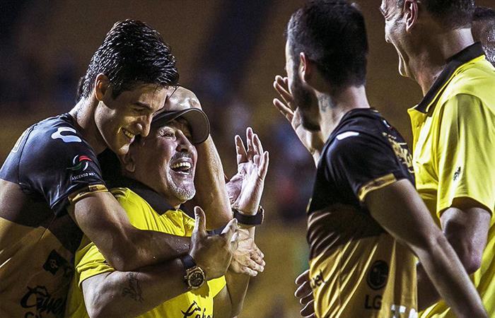 Diego Maradona y los Dorados de Sinaloa se copan en la semifinal