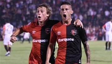 Superliga: Newell's venció a Patronato y volvió a la victoria