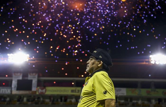 Maradona esta a un partido de conseguir su primer título. Foto: AFP