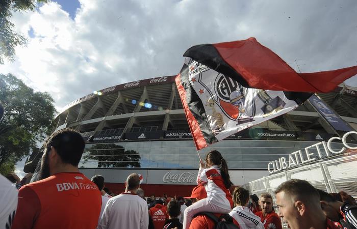 Superliga: River gana gracias a Borré