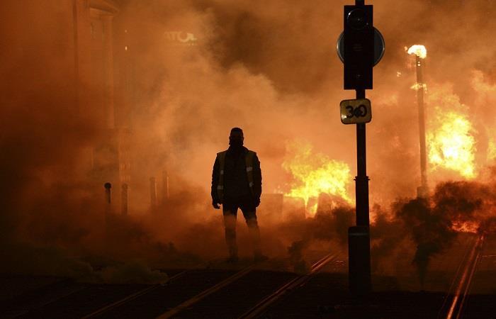Se suspenden partidos de la liga francesa por las protestas