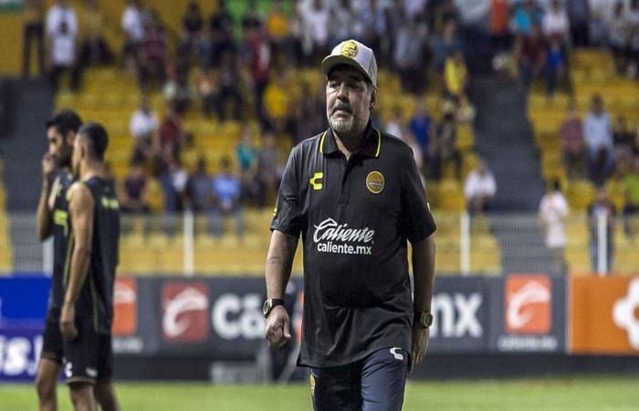 Maradona ya tiene su lista para el mercado de pases. Foto: AFP