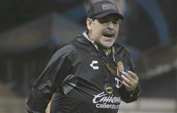Diego Maradona fue internado en una clínica de Buenos Aires