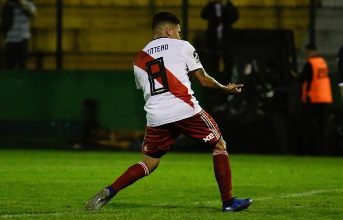 Quintero celebra su gol. Foto: EFE