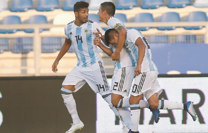 Argentina busca escalar en la segunda fecha. Foto: EFE