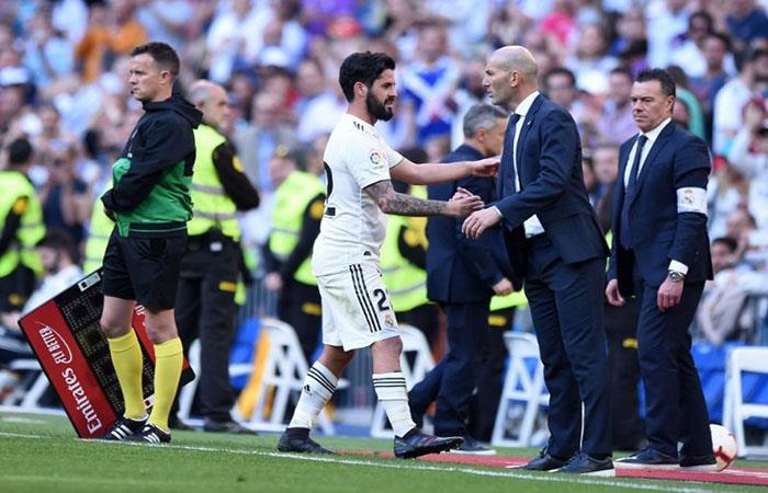 Zinedine Zidane, feliz con su vuelta al Real. Foto: AFP