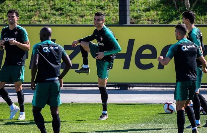 Cristiano, feliz de volver a su selección. Foto: AFP