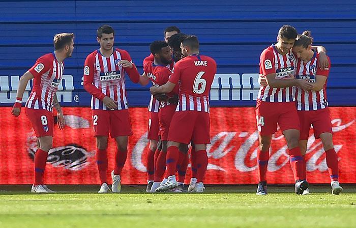 Atlético de Madrid venció al Eibar y sigue dando pelea en La Liga