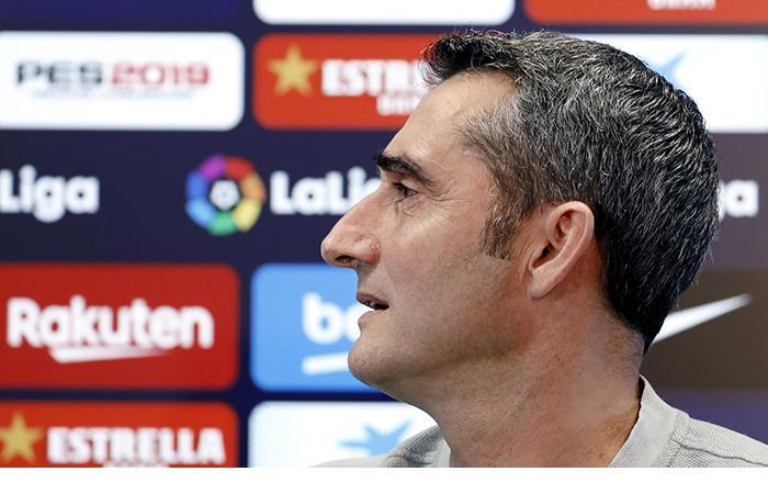 Valverde mira hacia adelante. (Foto: EFE)