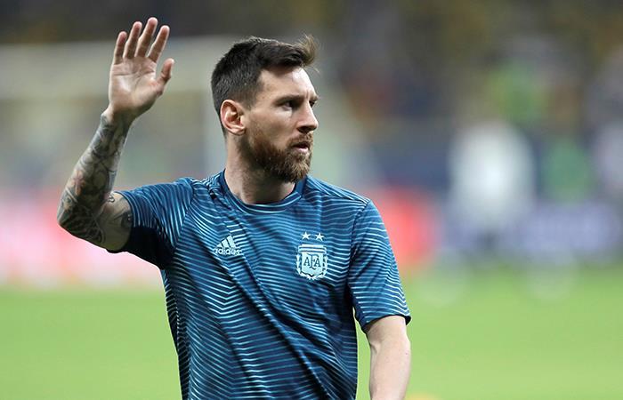 Messi, en el precalentamiento. Foto: EFE
