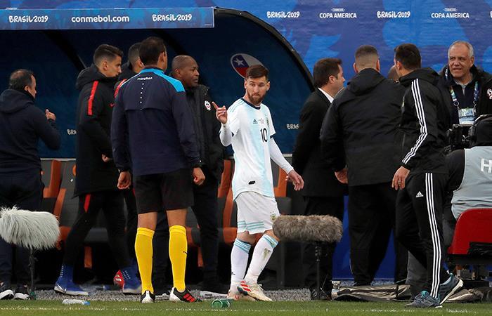 Chilavert apoyó a Lionel Messi y apuntó contra la Conmebol