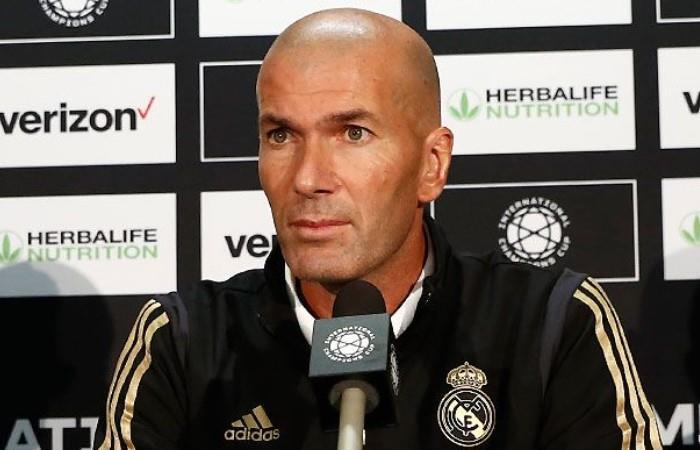Zidane, dolido por la derrota en el derbi. (Foto: EFE)
