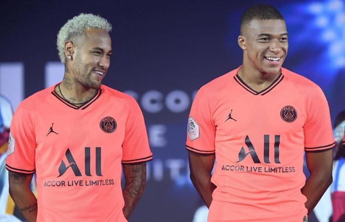 Mbappé quiere seguir su dupla con Neymar. Foto: EFE