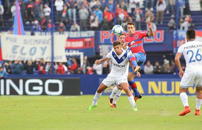 Domínguez, de buen presente en el Fortín. Foto: Twitter