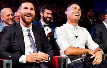"Messi y Ronaldo, finalistas al premio FIFA ""The Best"""