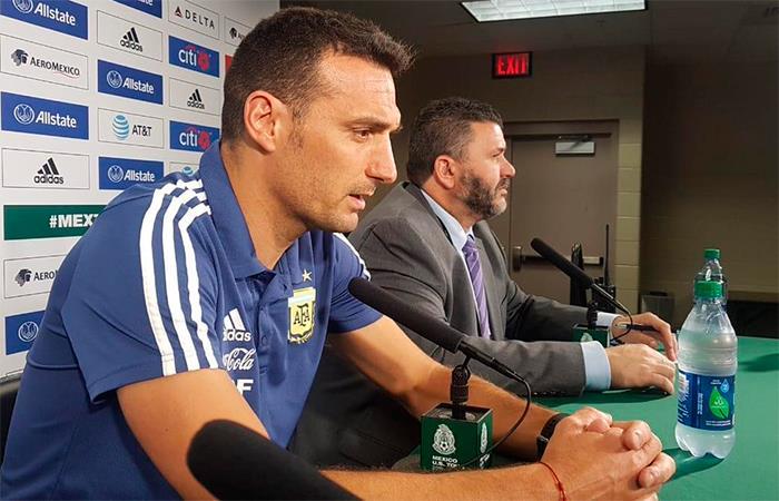 El DT de Argentina se llevó los aplausos tras el triunfo ante México (Foto: Twitter).