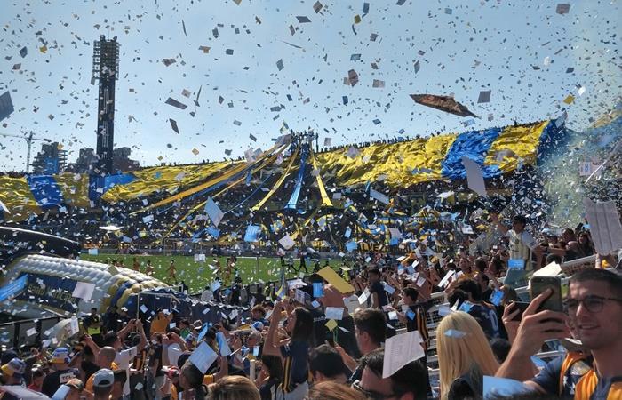 Rosario Central y un recibimiento espectacular ante Newell's. Foto: Twitter