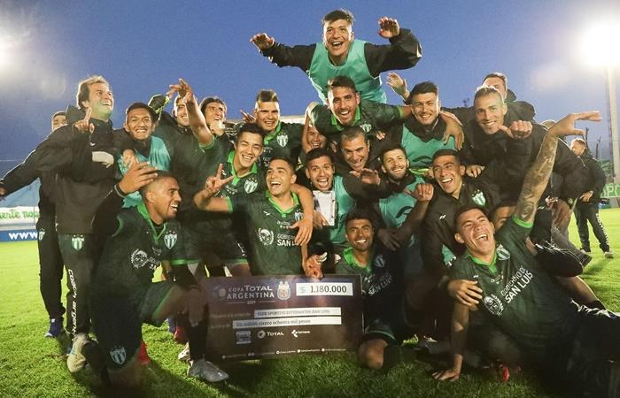 Estudiantes de San Luis eliminó a Barracas Central en los 16vos de final de la Copa Argentina. Foto: Twitter