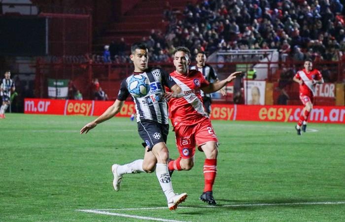 Argentinos le ganó a Central Córdoba y es líder de la Superliga. Foto: Twitter Central Córdoba