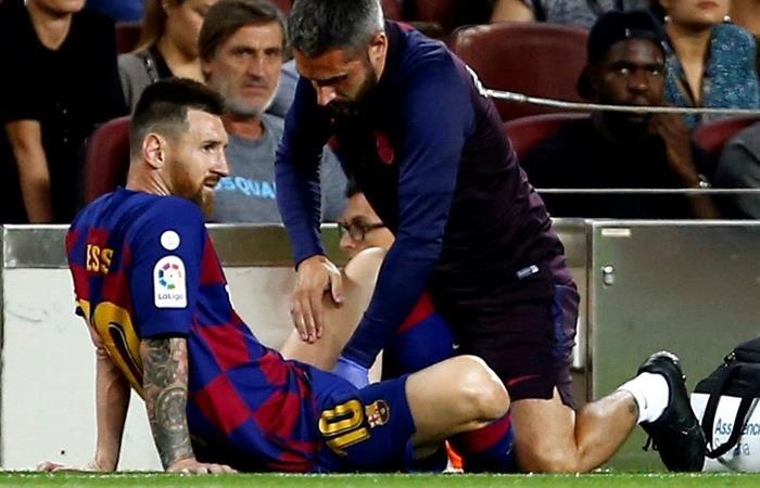 Leo Messi se bancó el primer tiempo y salió lesionado ¦ Foto: EFE