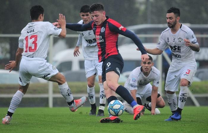 Adolfo Gaich volvió a jugar en la reserva de San Lorenzo. Foto: Twitter