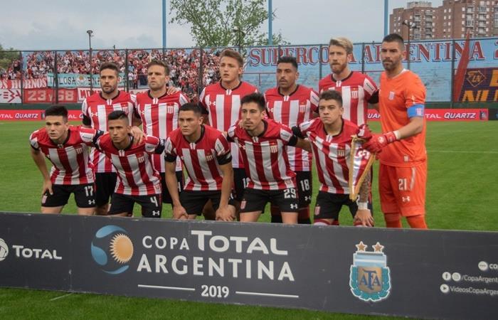 Estudiantes de La Plata se metió en cuartos de final de la Copa Argentina. Foto: Twitter