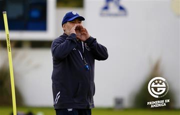 Diego Maradona en el entrenamiento de Gimnasia: el juego del engaño y la broma al profe